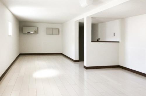 巾木が印象的なお部屋のイメージ写真