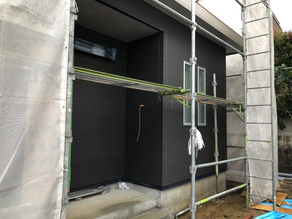 新居の外壁の写真